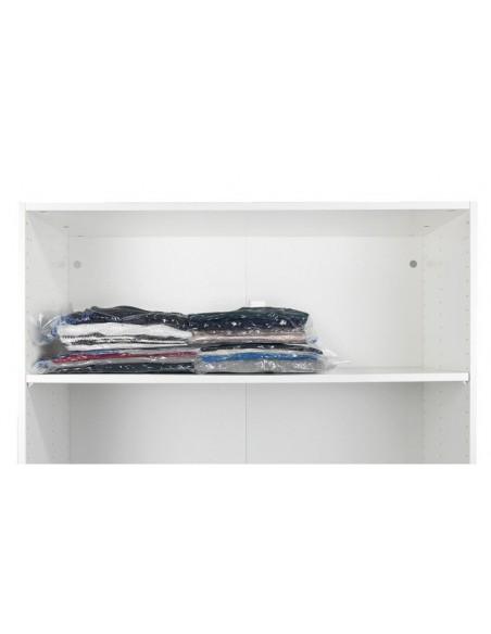 Oszczędność miejsca z workami na odzież